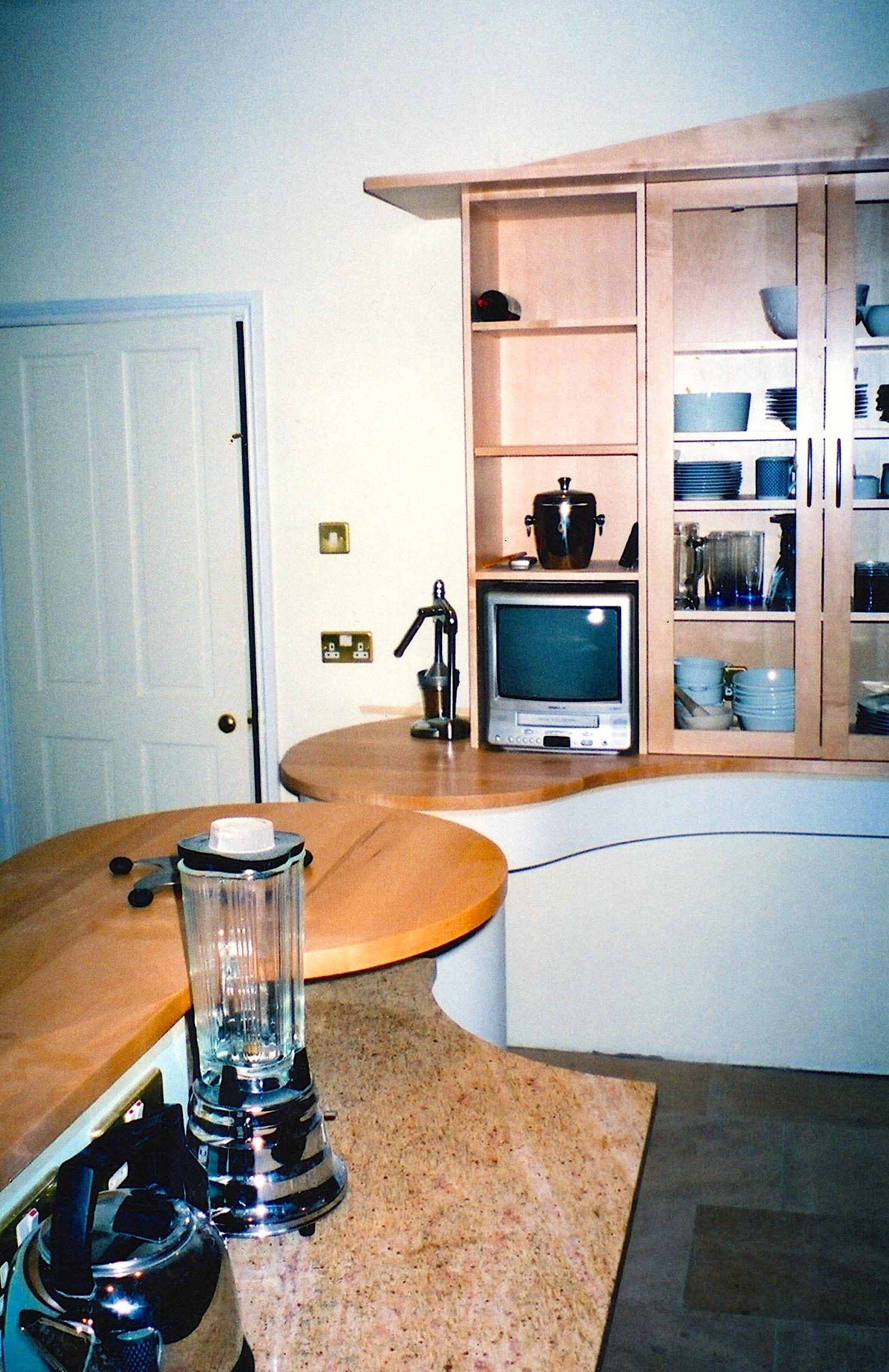 Maple-Chequred-Kitchen-Worktop-Detail