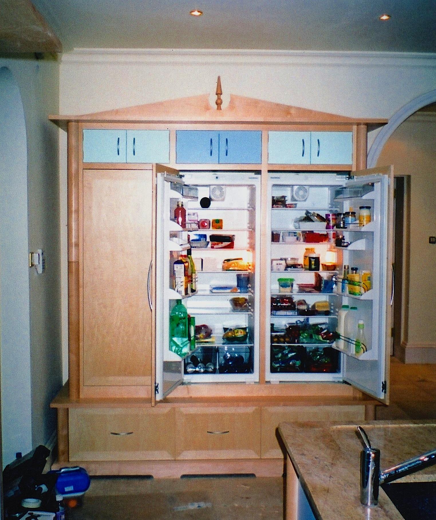 Maple-Chequered-Kitchen-Fridge-Dresser