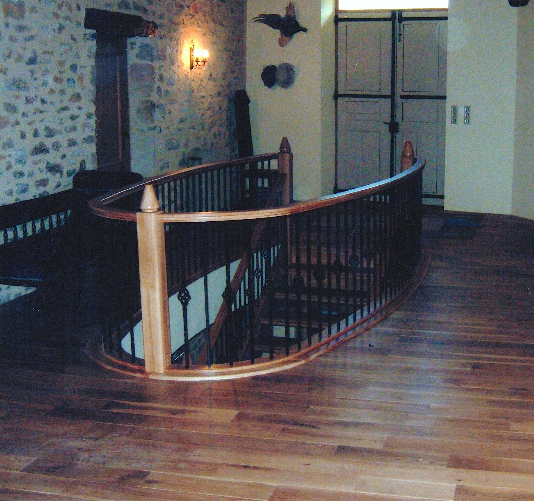 Solid-Oak-Staircase-Steel-Spandrel-Cage
