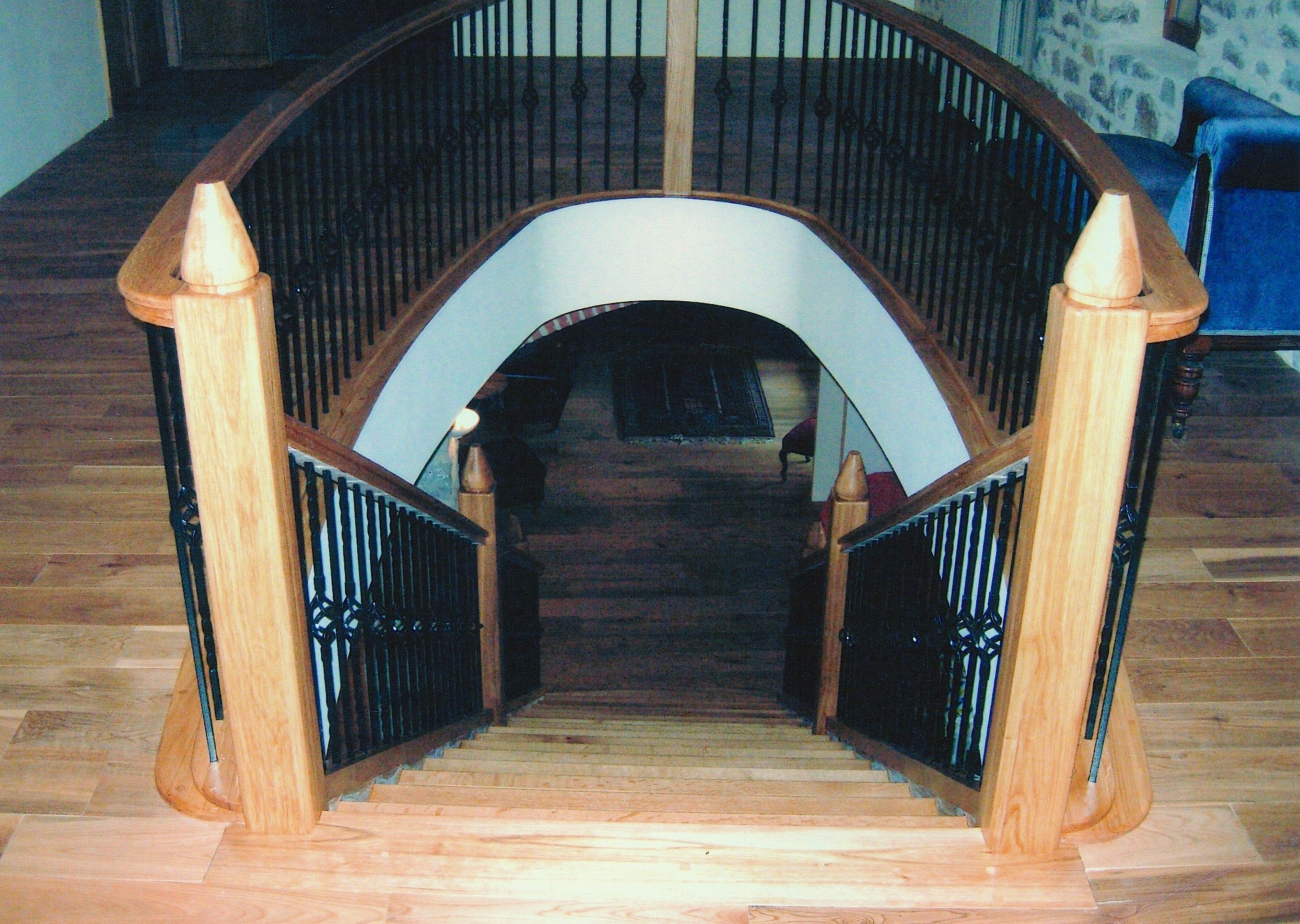 Solid-Oak-Stairwell